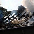 image 10-03-11-siegen-dachstuhlbrand-10-jpg