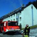 image 10-03-11-siegen-dachstuhlbrand-13-jpg